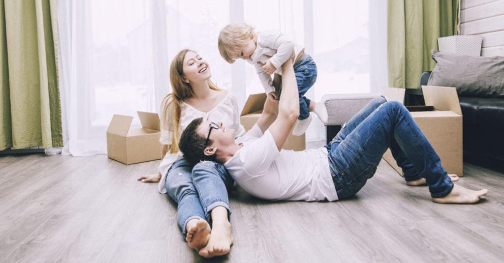 Umzug in eine neue Wohnung nach der Geburt
