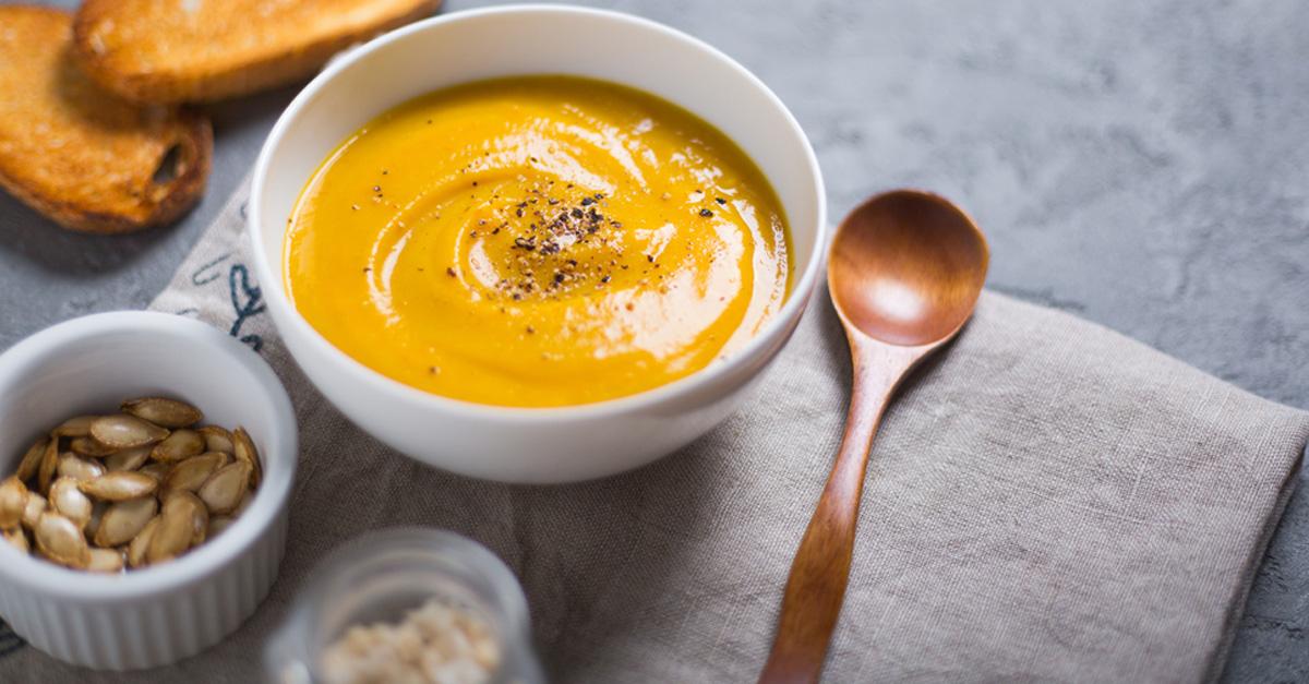 kürbissuppe mit rinderfiletstreifen